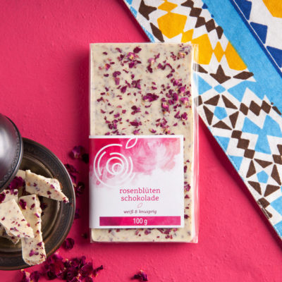 Rosendelikatessen_Produkt_Rosenbluetenschokolade_Weiss